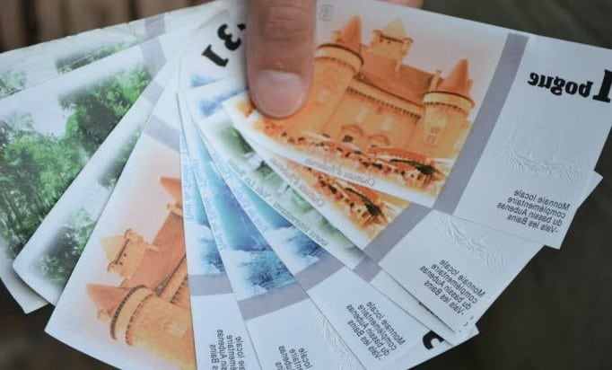 MON COMMERÇANT BIEN AIMÉ |  Ardèche :  payez les commerçants en luciole !